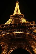 Eiffel öösel, alt